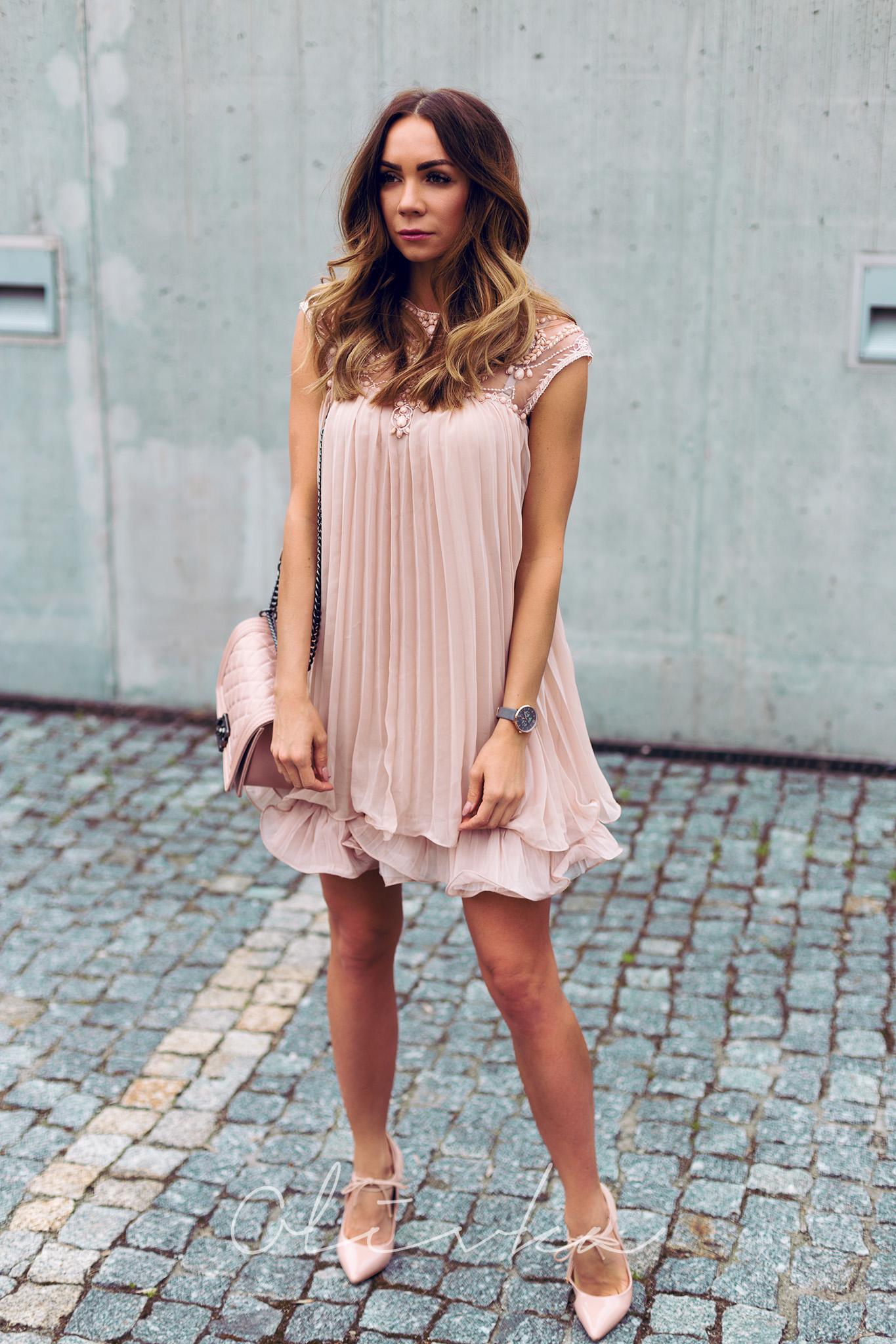 Sukienka na wesele OlivkaBlog.pl to moda, lifestyle i podróże