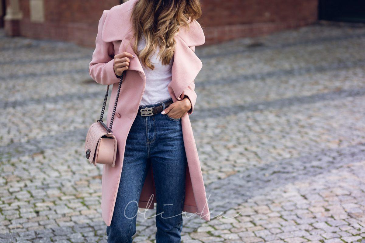 Dobrana para : płaszcz i mom jeans