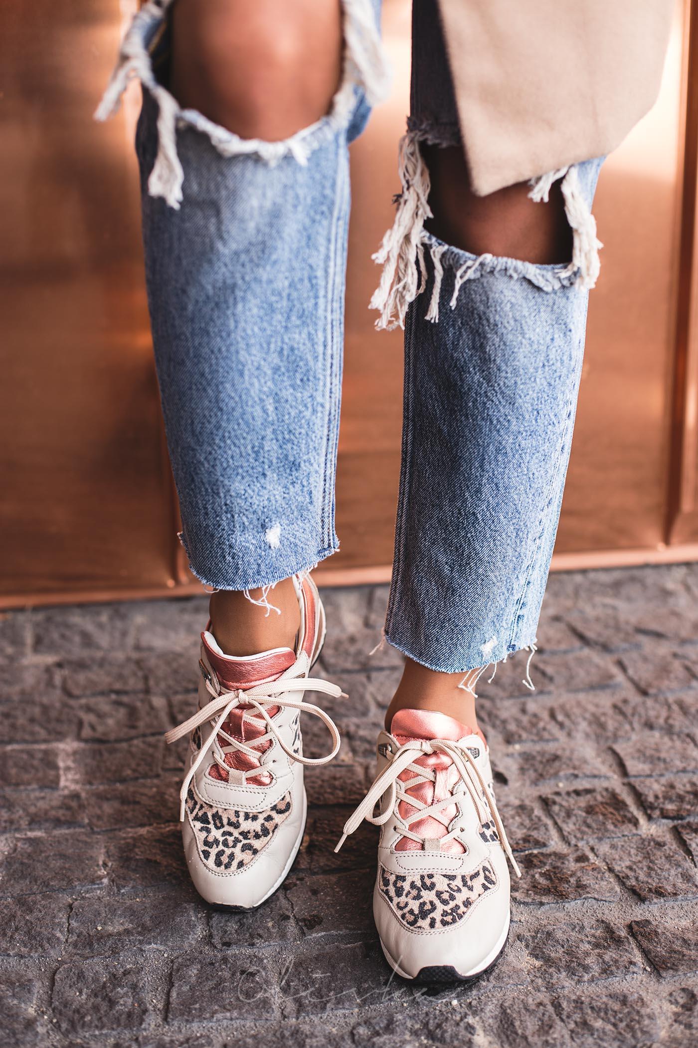 sneakers Geox, sneakers eobuwie, zara boyfriend jeans, boyfriend z dziurami, torba mango, modna mama