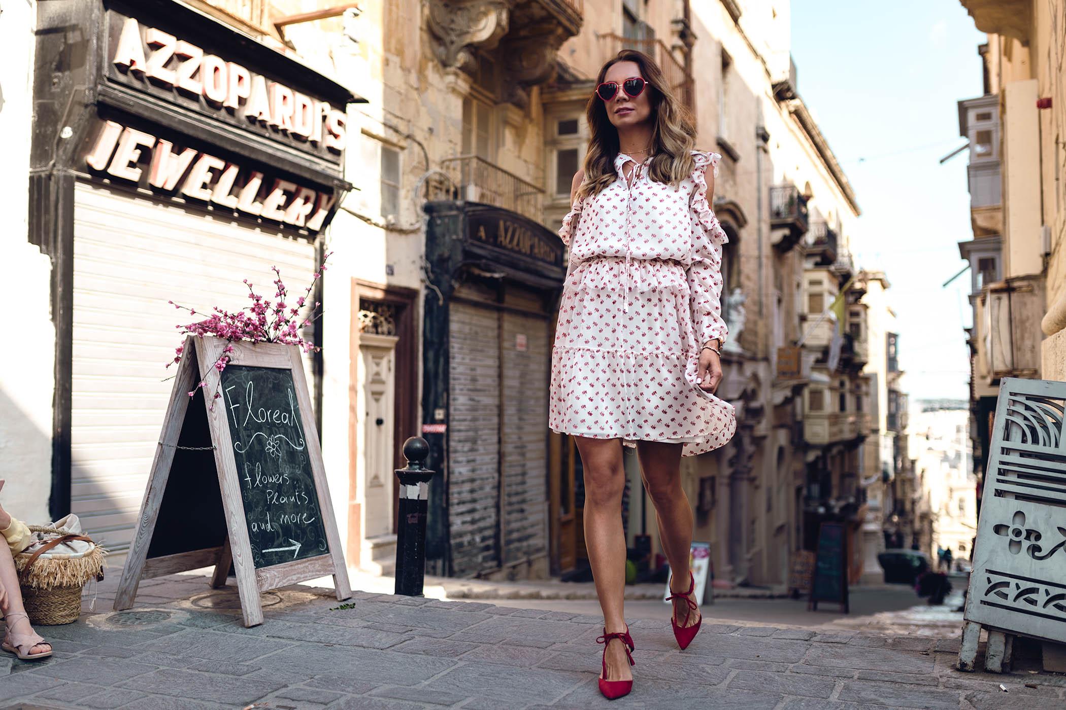 http://www.jo-li.pl/pl/p/Sukienka-z-szyfonu-w-kwiatki-z-falbankami/182, sukienka JO-LI