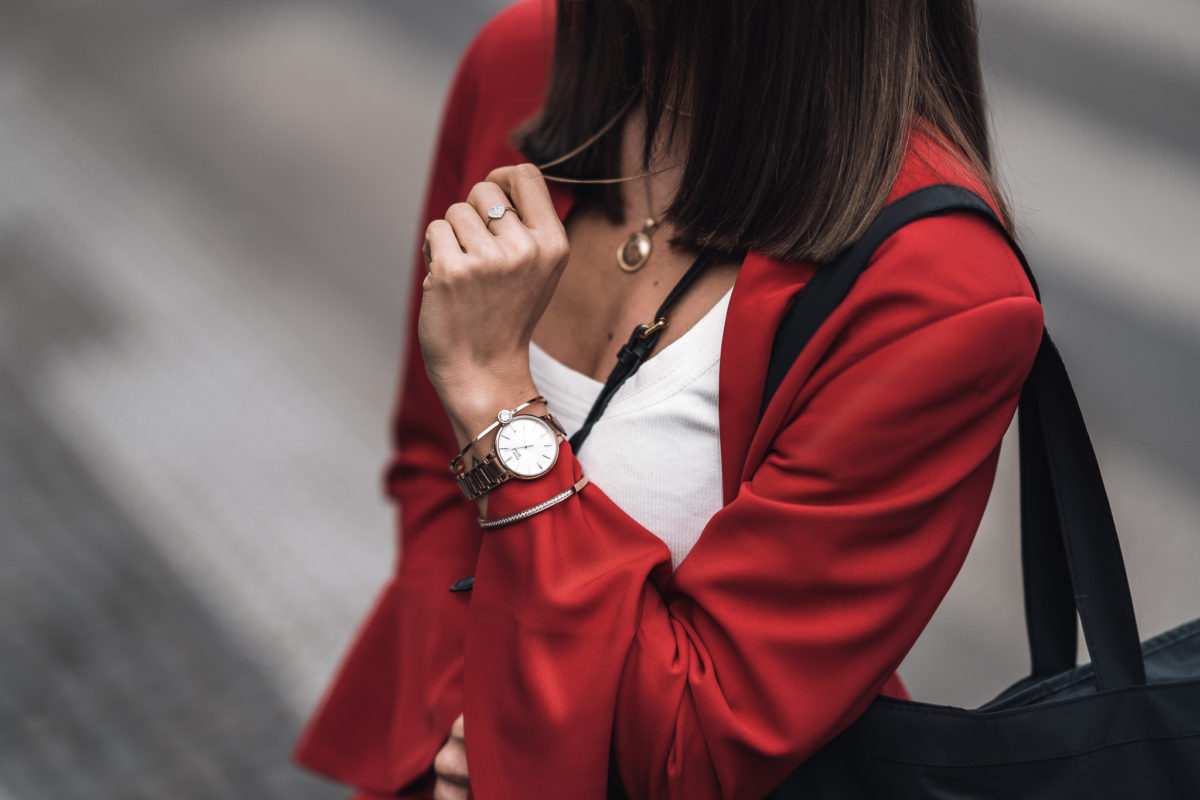 Warto mieć go w szafie – damski garnitur