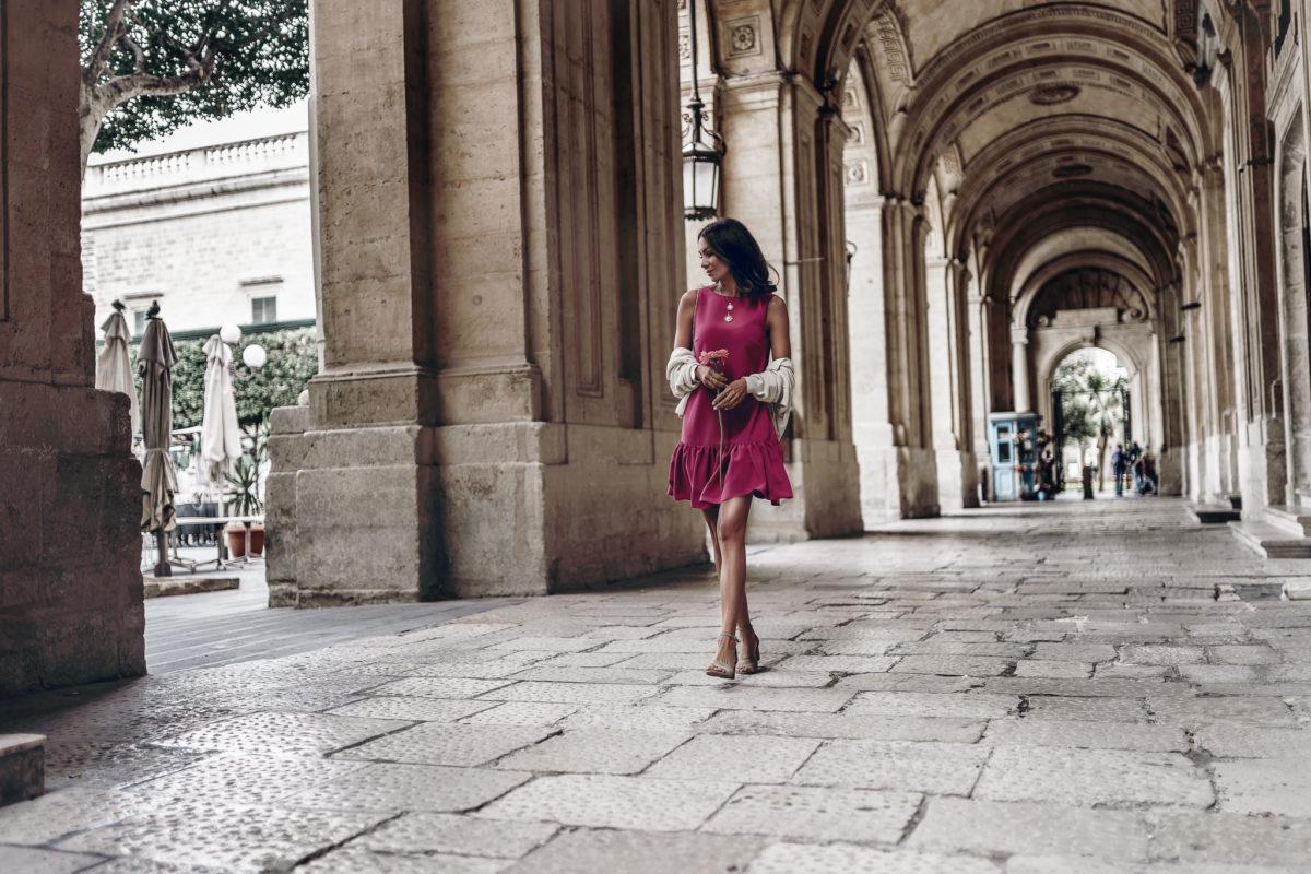 Spacer ulicami Malty & urocza sukienka