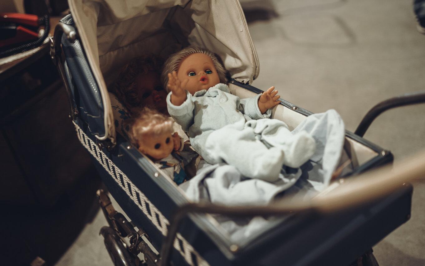 Wózek i lalki z okresu PRLu