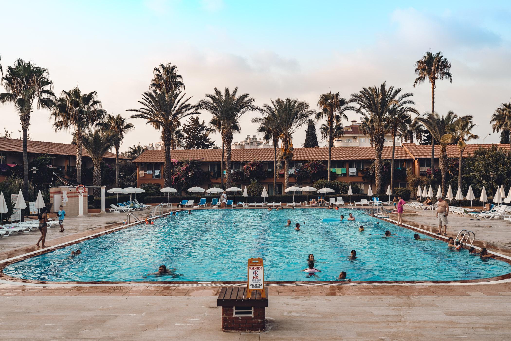 Hotel z basenem w Turcji