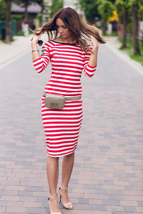 Wiosna w mieście, sukienka w paski