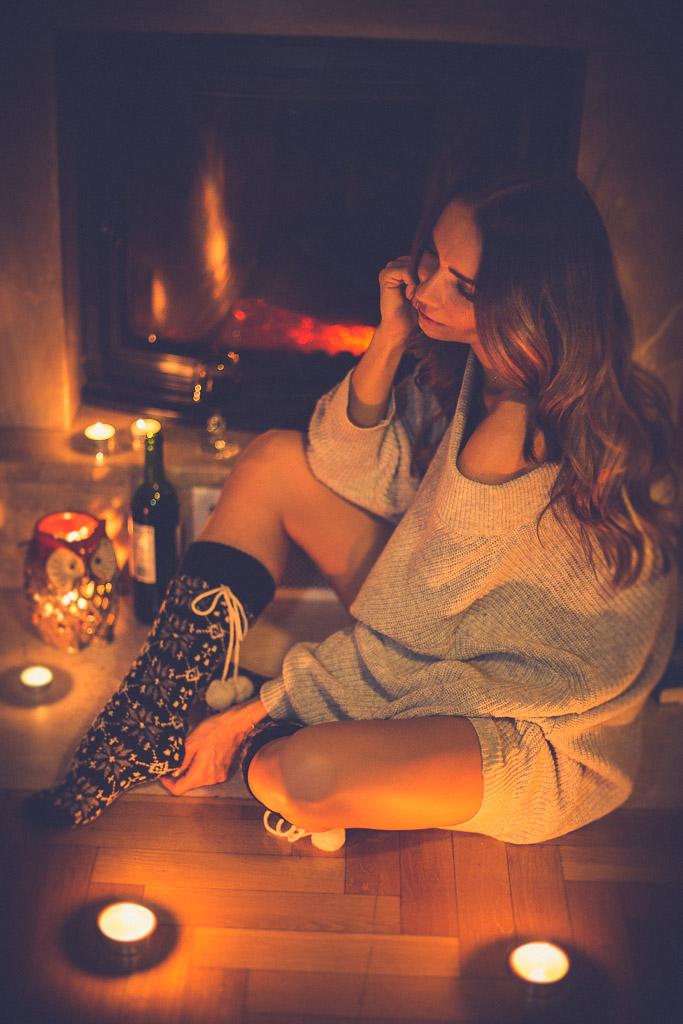 Pomysł na zimowy wieczór- książka, kominek i ciepłe skerpety
