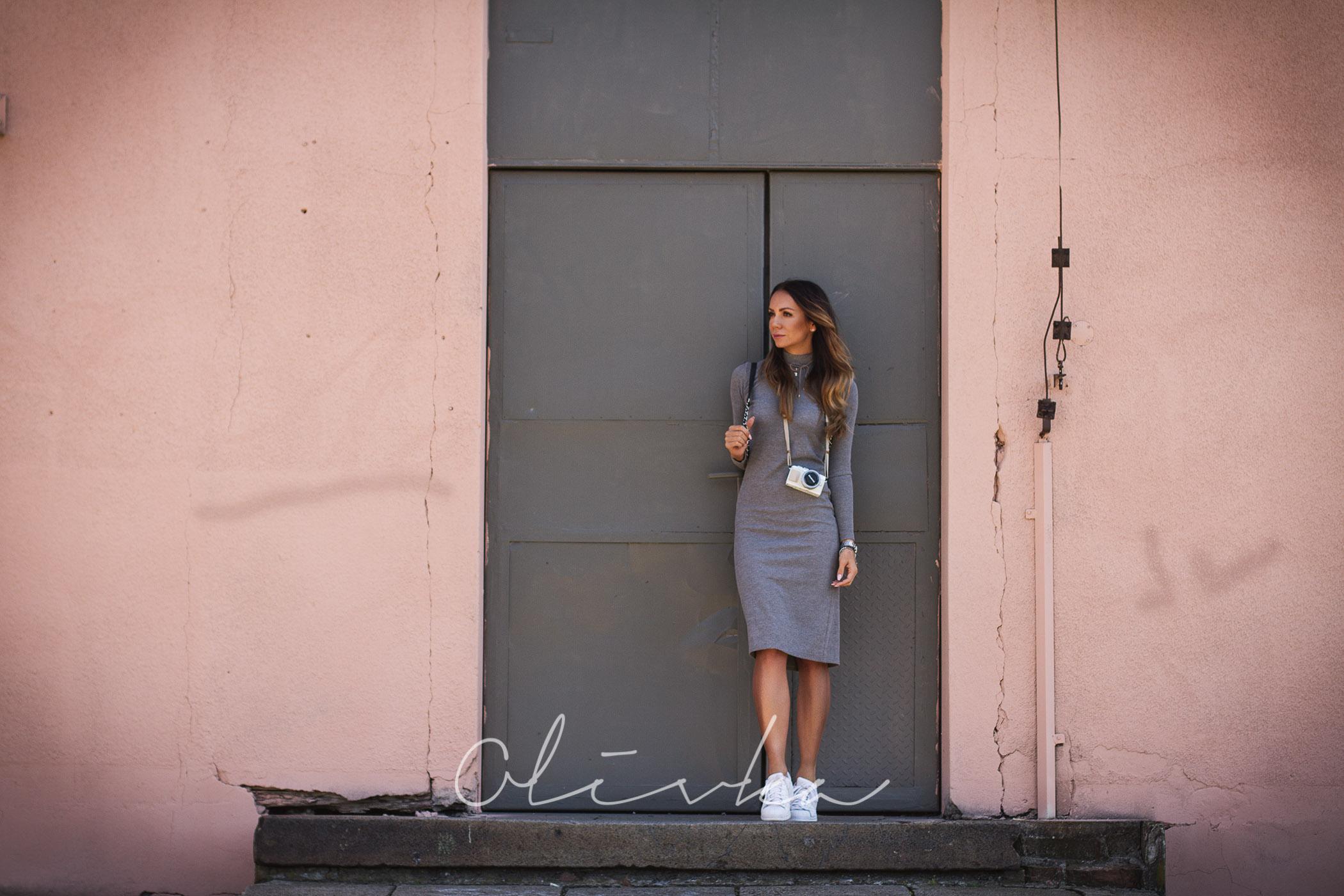 Ponadczasowa klasyka – sukienka za kolano