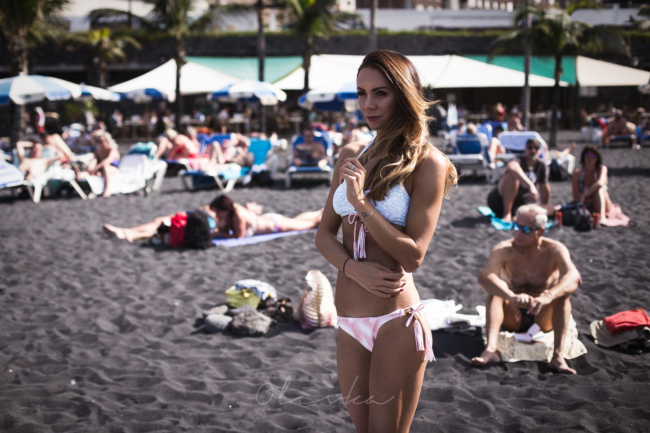Plażowicze na Playa La Arena