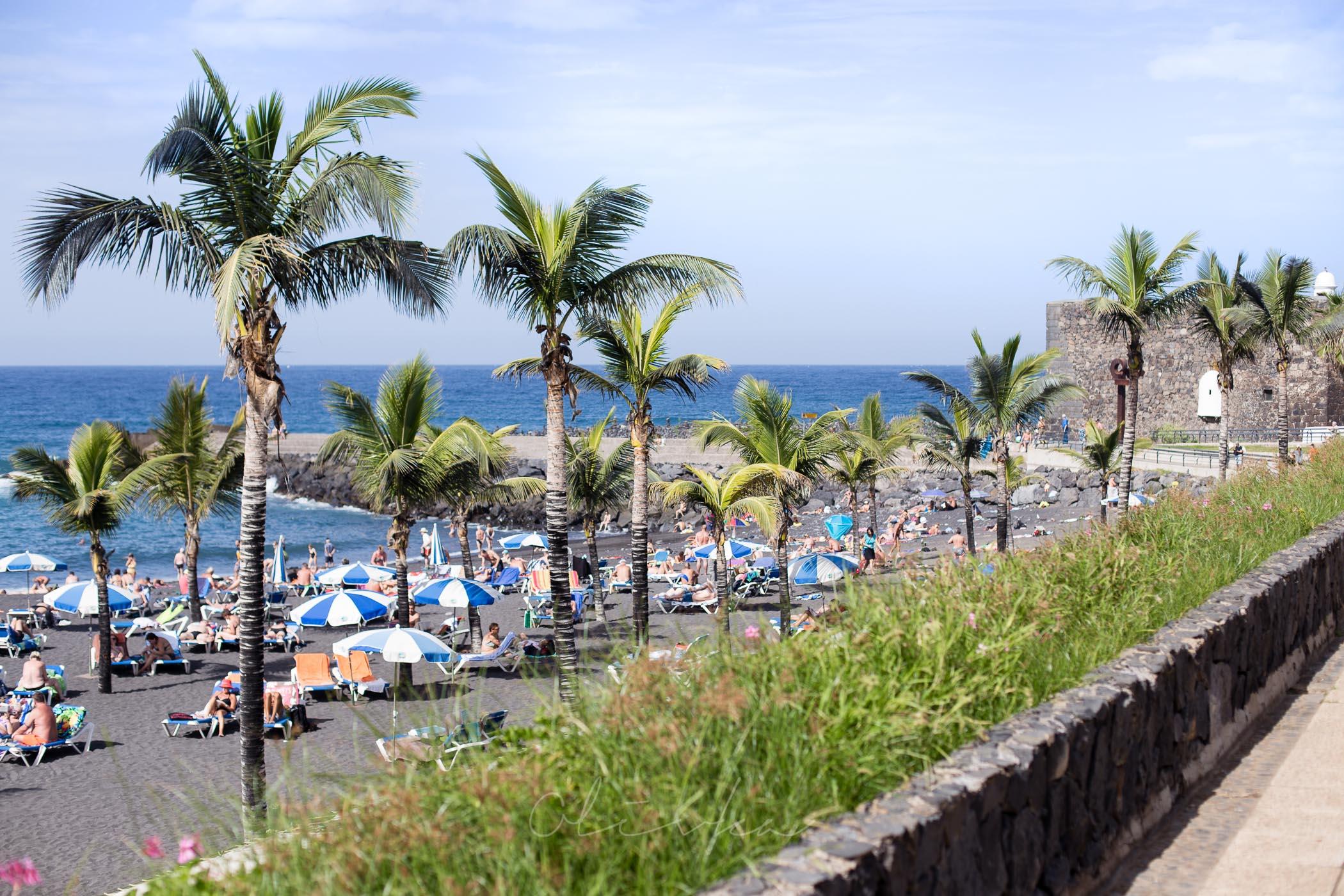 Widok na plażę z promenady