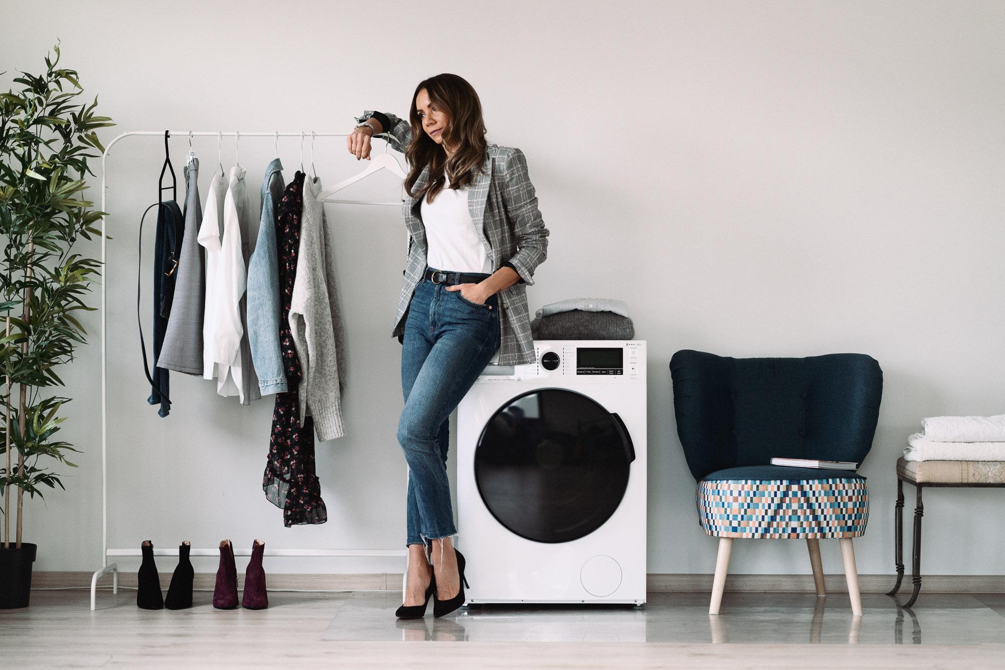 Dobra pralka i kapsułowa szafa, czyli sposób na szybkie stylizacje