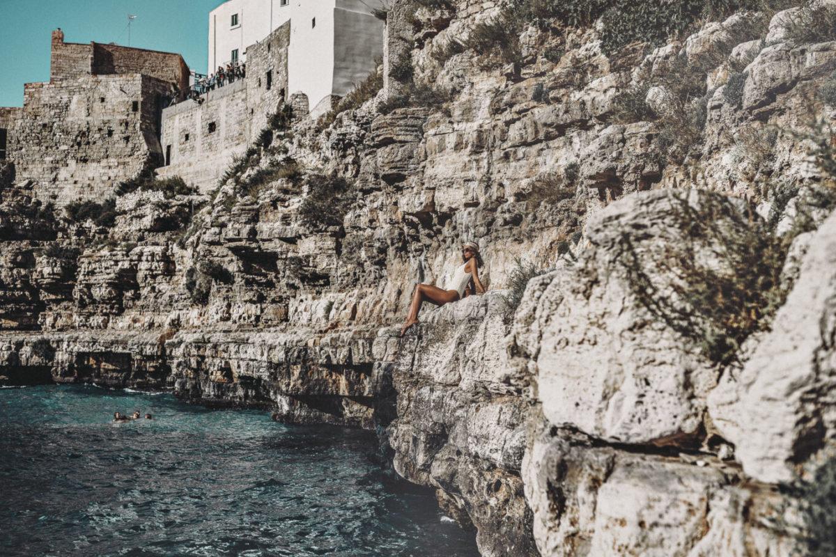 Kamienista plaża w Apulii