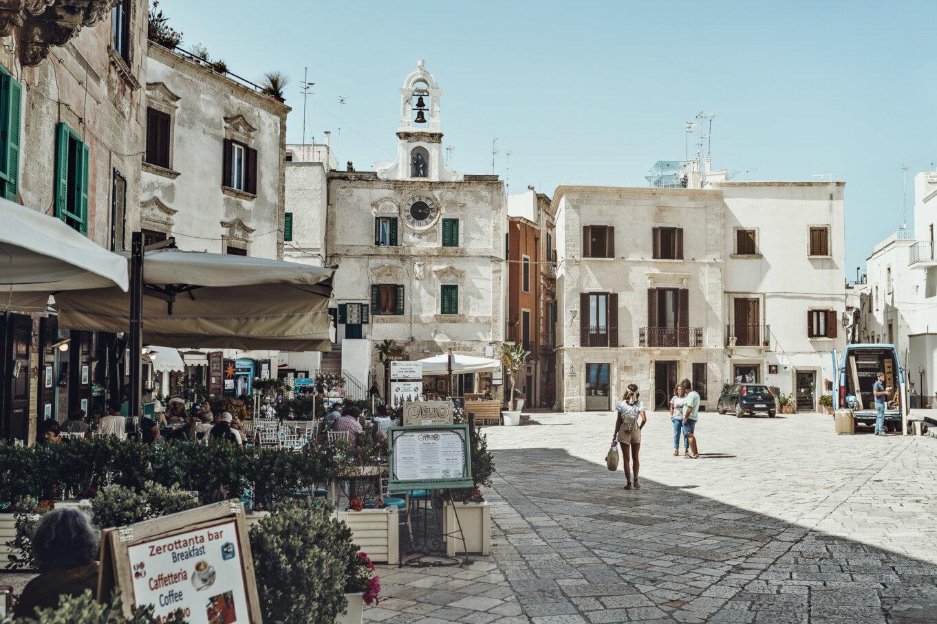 Piazza Vittorio Emanuelle II w centrum miasta
