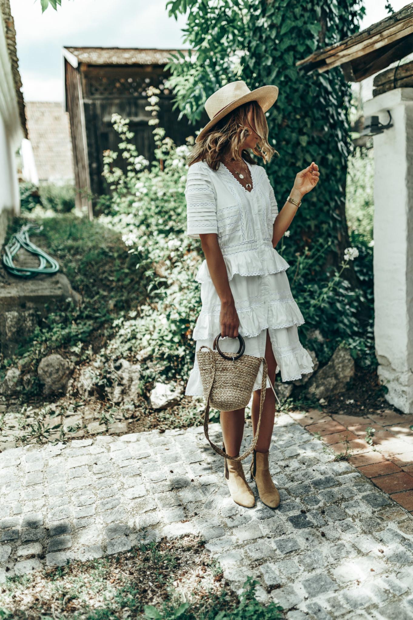 Sesja w białej sukience w czeskim Mikulov
