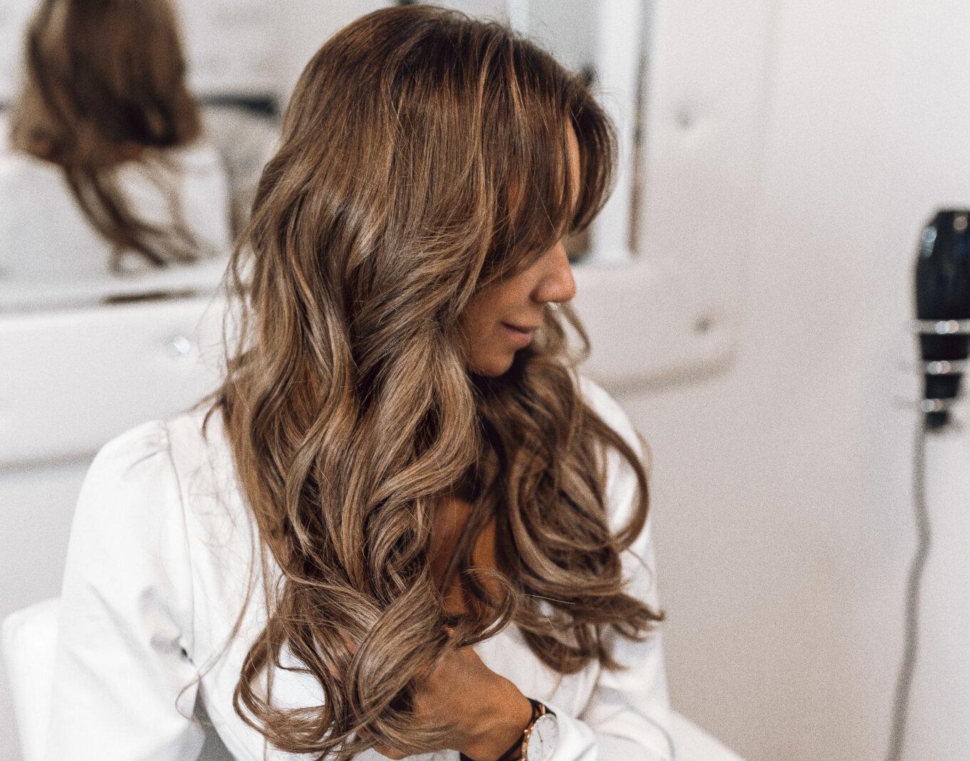 Przedłużanie włosów pasemkami Hairtalk extemsions
