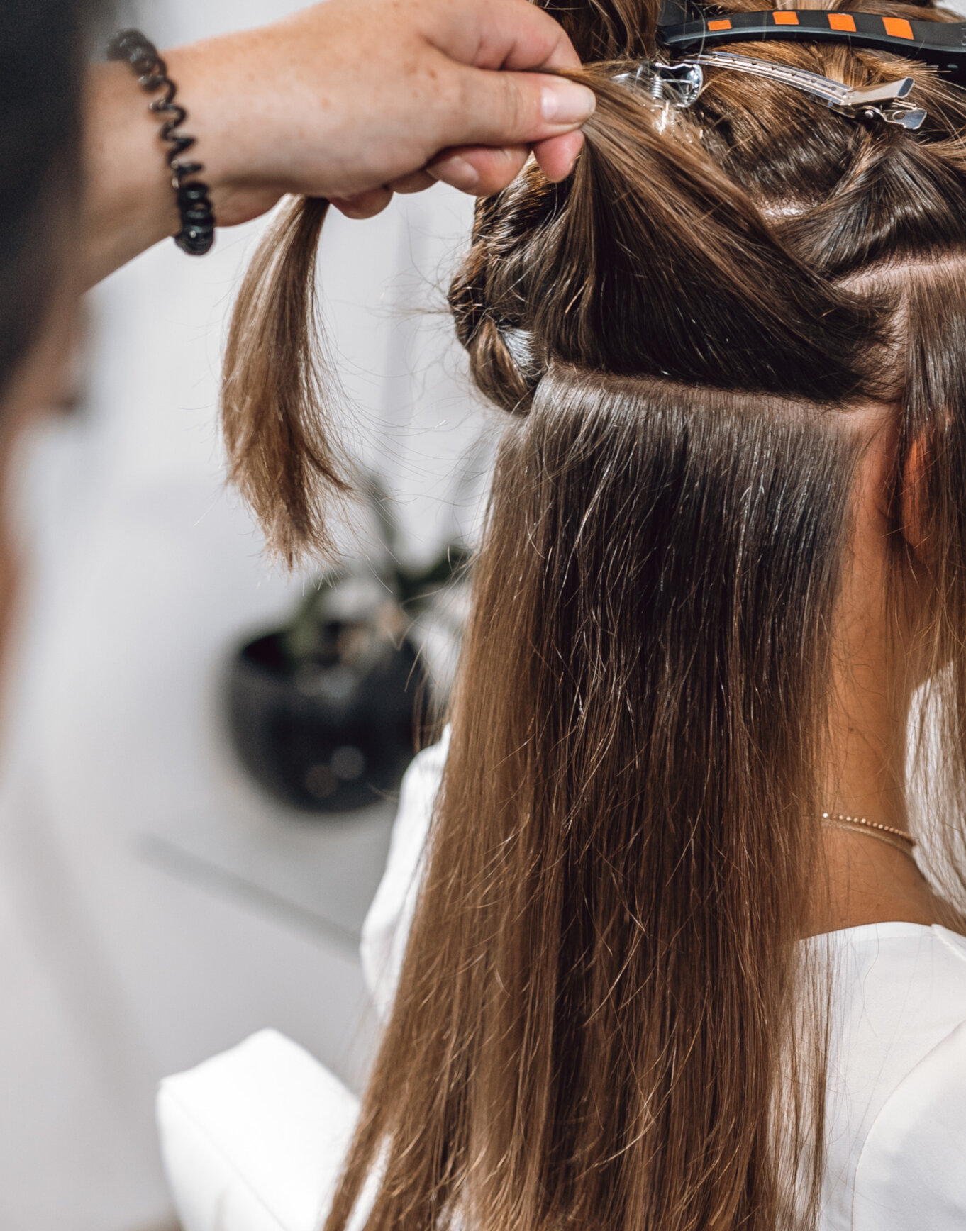 Metoda przedłużania włosów: Tape on