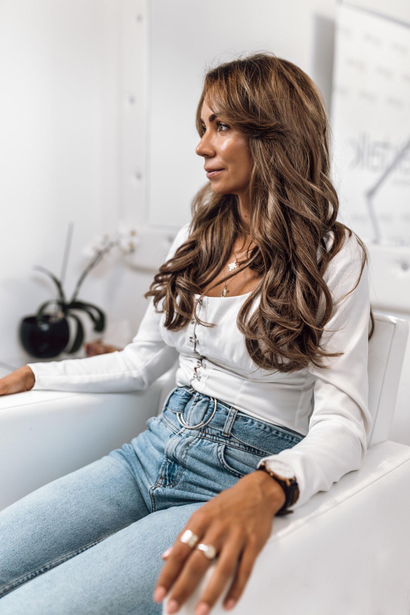 Sposoby na zagęszczenie włosów – pasemka hairtalk