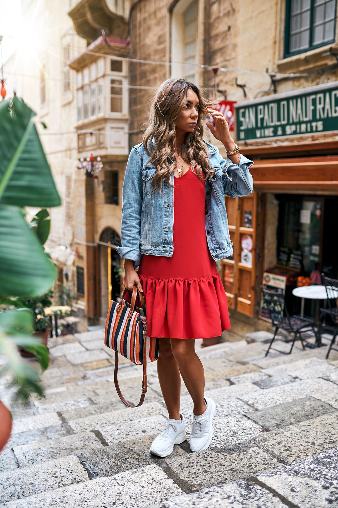 Czerwona sukienka na co dzień OlivkaBlog.pl to moda