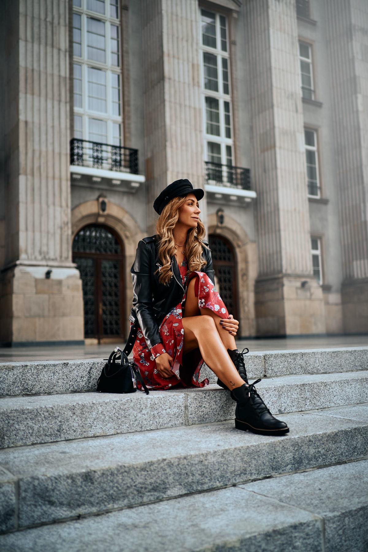 Rockowy look z sukienką midi