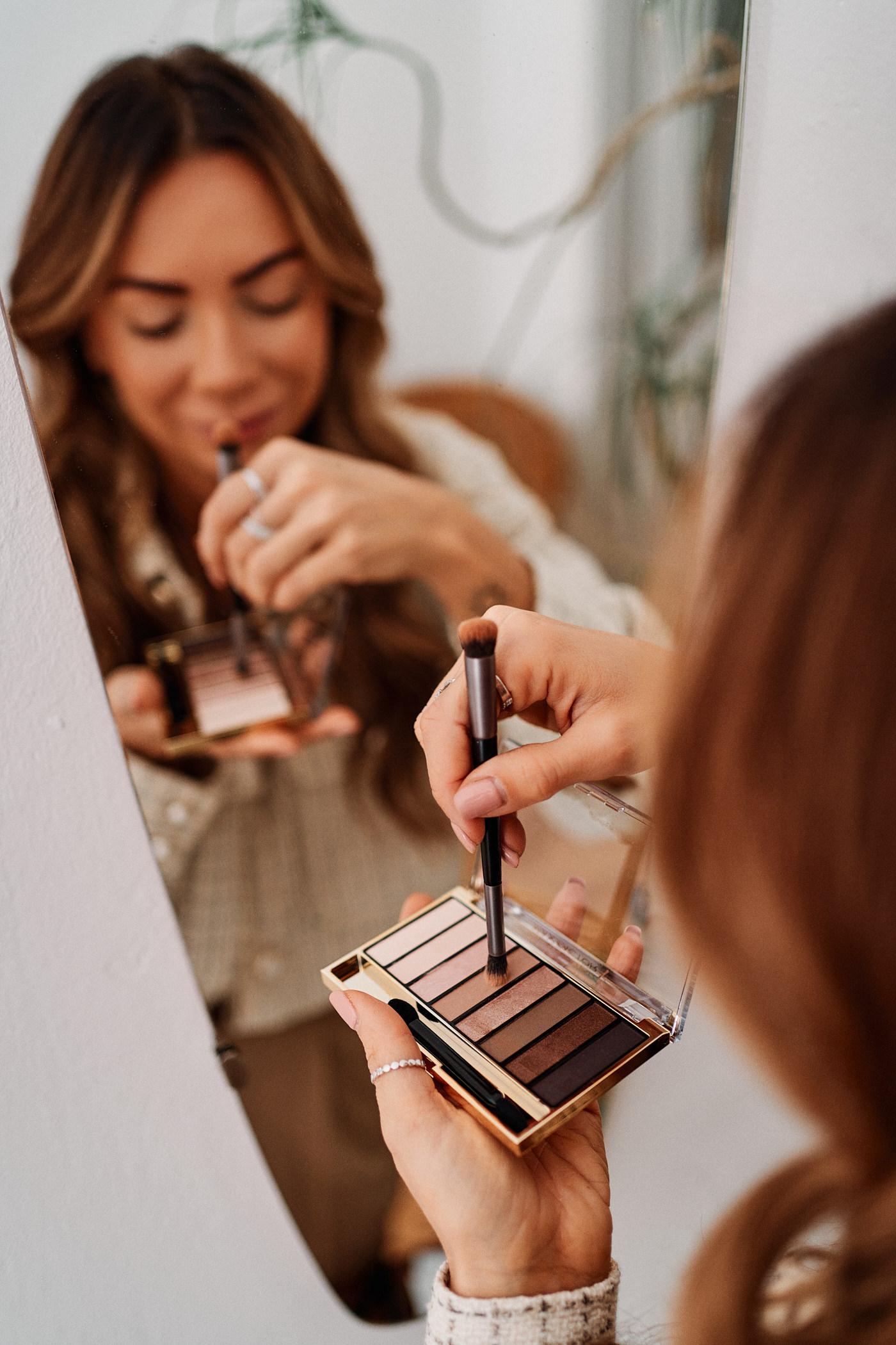 Paleta cieni Max Factor Materpiece Nude dostępna jest w dwóch odcieniach Cappuccino i Rose – wybierz idealny odcień dla siebie i stwórz niezapomniany makijaż na wigilię