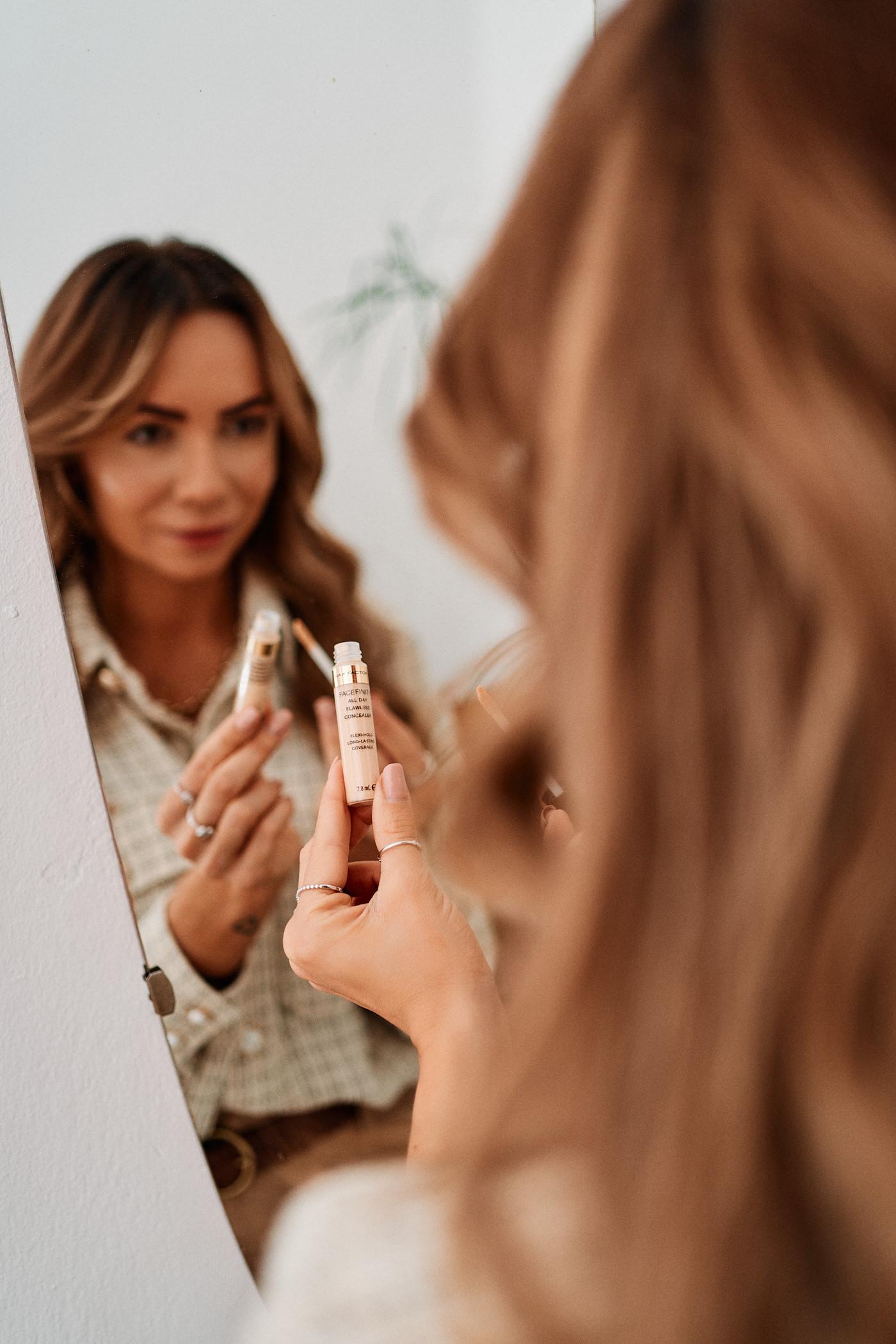 Dobrze kryjący korektor Max Factor Facefinity All Day Concealer idealnie uzupełni Twój świąteczny makijaż – sprawdź!